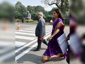 ICICI Bank CEO & MD, Chanda Kochhar arrives at Parliament house
