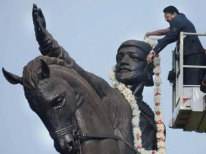 Maharashtra Governor C Vidyasagar Rao garlands the statue of Chhatrapati Shivaji Maharaj on his birth anniversary at Shivaji Park in Mumbai