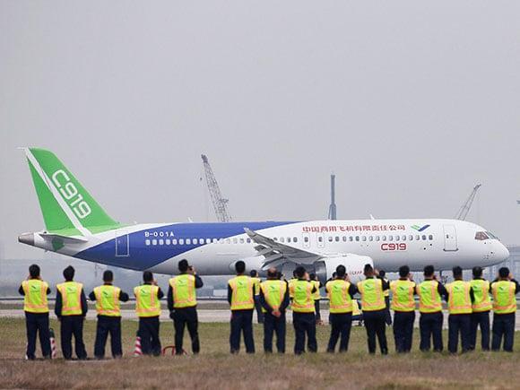 Comac, C919, passenger jet, Boeing, Airbus, Pudong International Airport, Shanghai