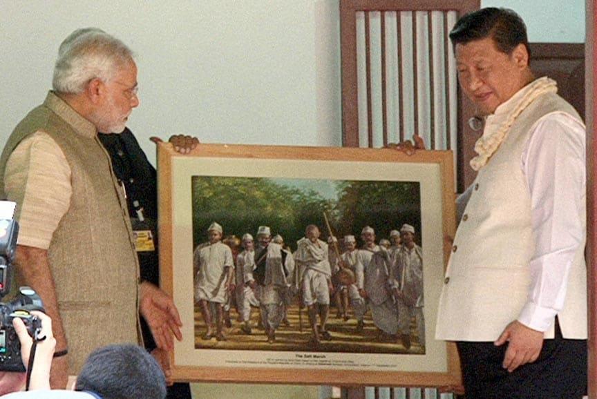 Prime Minister, Narendra Modi, presents, portrait, Chinese President, Xi Jinping, Gandhi Ashram
