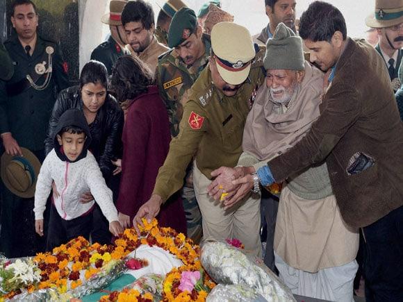 col MN Rai in india,  Dalbir Singh Suhag in india, Hizbul Mujahideen, Yudh Sena Medal, Colonel Munindra Nath Rai, Gorkha Rifles, 42 Rashtriya Rifles