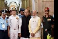 Prime Minister Narendra Modi poses a photo  with Defence Minister Arun Jaitley, Air Chief Marshal Arup Raha, Navy Chief Admiral RK Dhowan and Army Chief General Dalbir Singh Suhag
