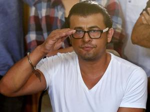 Sonu Nigam insisted that he is not anti-Muslim