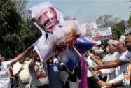 Cong protests against Centre, Delhi govt over civic bodies'