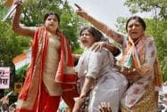 Congress Mahila Morcha  protest outside BJP office over BJP leader and Union Minister Giriraj Singh