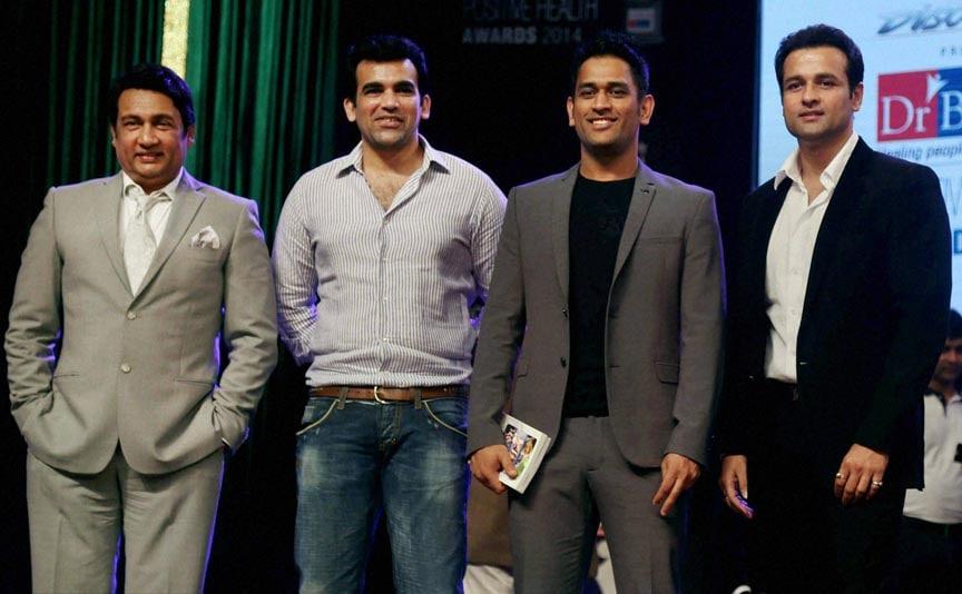Actor Shekhar Suman, cricketer Zaheer Khan, M S Dhoni, actor Rohit Roy, Positive Health Awards function, Mumbai