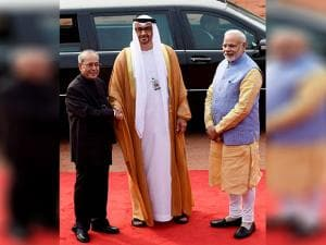 President Pranab Mukherjee shakes hands with Sheikh Mohammed bin Zayed Al Nahyan, Crown Prince of Abu Dhabi