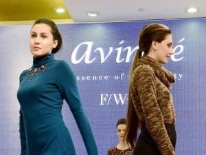 Models walk on the ramp to shocase the Winter Collection of Avirate