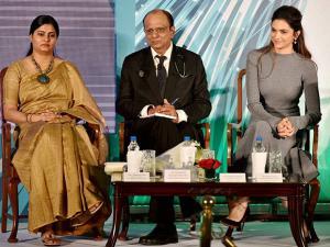 Union Minister of state Anupriya Patel, IMA president Dr KK Aggarwal  and Deepika Padukone