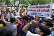 AAP workers protests outside Smriti Irani`s residence