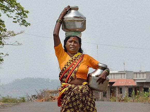 Maharashtra Drought, Drought in Maharashtra, Drought in Maharashtra 2016, Maharashtra Drought 2016, Sangli Weather, Sangli District, Sangli Temperature, Temperature in Sangli, Janpravas Sangli, Water Scarcity, Water Crisis, Water Crisis in India, Scarcity of Water