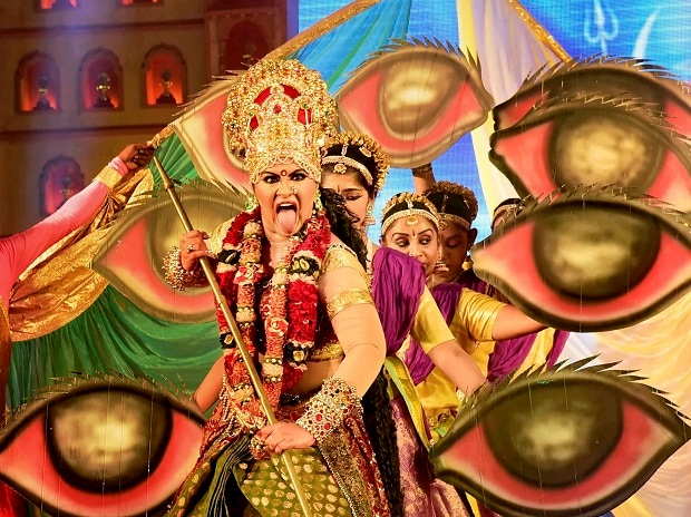 Dussehra 2017, Dussehra, dussehra wishes, Vijayadashami, what is Vijayadashami, what is dussehra, festival, Durga Puja, Puja 2017, Narendra Modi, Puja 2017, Ram, Ramayana, ravana, dussehra gallery, durga puja gallery, Mysore, West Bengal, Kolkata pujas