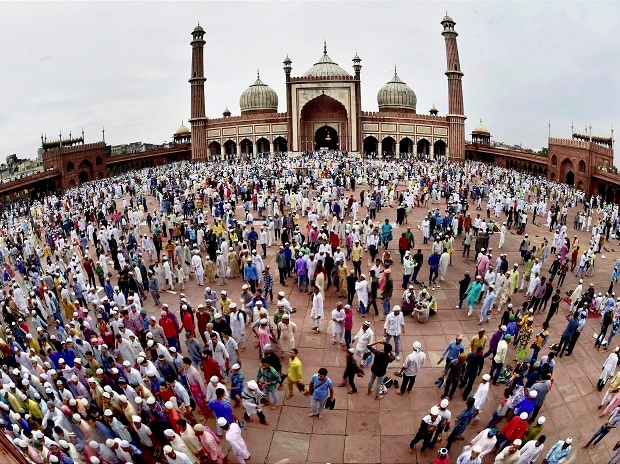 Muslims, Eid, Islam, Eid al-Adha, Muslims celebrate Eid, Muslim festival, festival of sacrifice, feast of sacrifie, bakreid in India, Muslims in Delhi