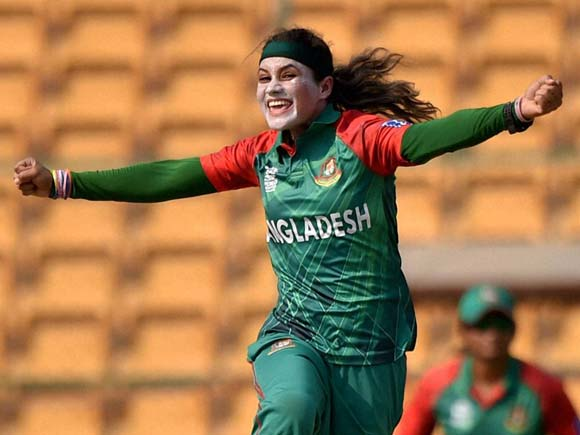 Jahanara Alam, Charlotte Edwards, ICC Womens T20, ICC Women's World T20, Bangladesh vs England, Woman Cricketer