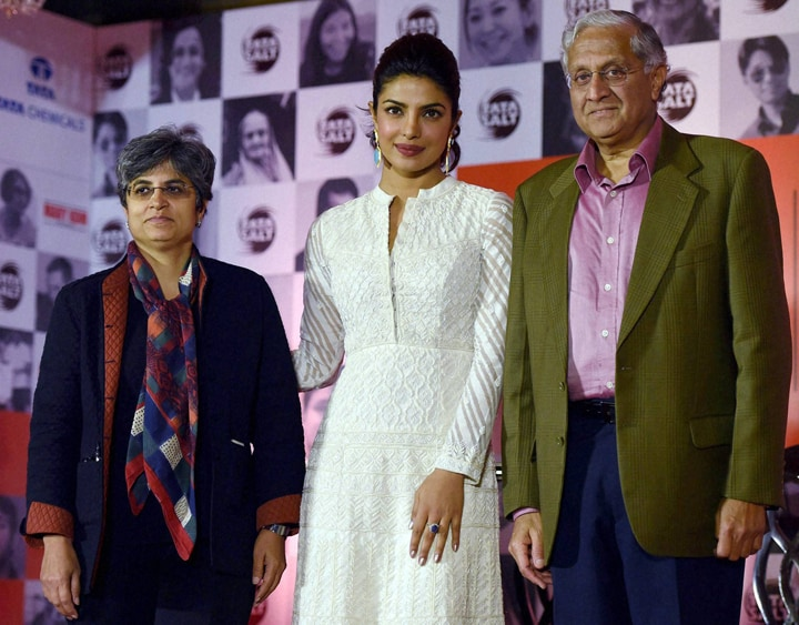 Richa Arora, COO-Consumer Products Business, Tata Chemicals, bollywood actress, Priyanka Chopra, R Gopalakrishnan, Director of Tata Sons, Vice Chairman of Tata Chemicals, promotional, event, Tata Salt-Maine Desh Ka Namak Khaya Hai, campaign, Mumbai