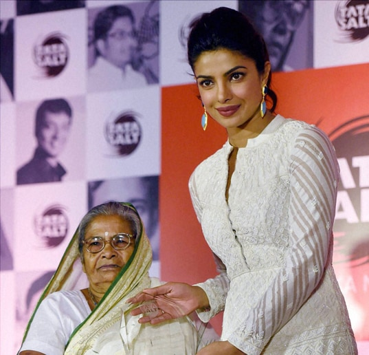 Social worker, Subhashini Mistry, felicitated, Bollywood actress, Priyanka Chopra, promotional, event, Tata Salt-Maine Desh Ka Namak Khaya Hai, campaign, Mumbai