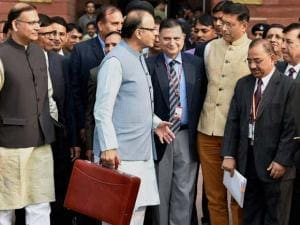 FM Arun Jaitley leave from North Block to meet President before presenting the Union Budget 2016-17