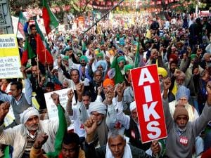 Farmers demand 'freedom from debt' in Delhi