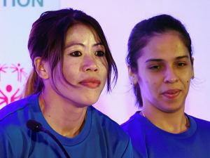 Boxer Mary Kom and ace shuttler Saina Nehwal at a felicitation function for particiapnts of World Winter Games 2017