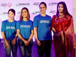 Boxer Mary Kom, shooter Heena Sidhu, ace shuttler Saina Nehwal and actress Poonam Dhillon at a felicitation function for participants of World Winter Games 2017