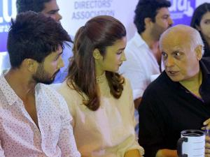 Filammaker Mahesh Bhatt with Udta Punjab film actors Shahid Kapoor and Alia Bhatt at a press conference organized by Indian Film and Television Directors Association (IFTDA) in Mumbai