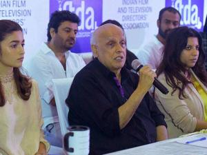 Filmmaker Mahesh Bhatt with Udta Punjab film actors Shahid Kapoor and Alia Bhatt speaks at a press conference organized by Indian Film and Television Directors Association (IFTDA) in Mumbai