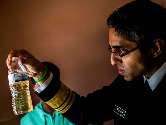 Vivek Murthy, Surgeon General Vivek Murthy, Flint clinics, Health care, lead-tainted water, Lead contain,lead contamination of drinking water, Flint, Michigan