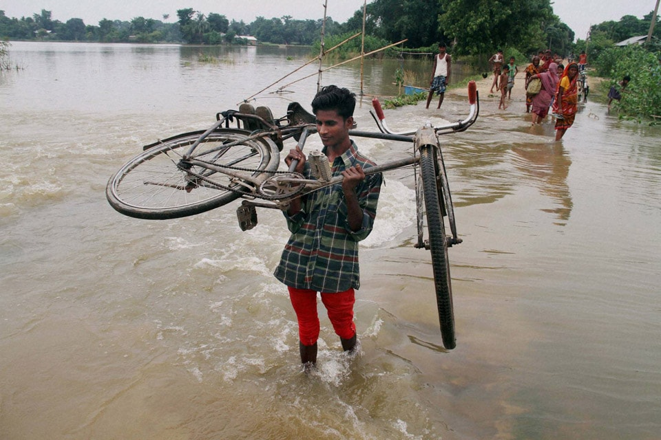 villager, walks, submerged, road, lifting, bicycle, flood, affected, Buraburi