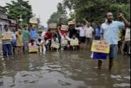 Locals protest against the Bihar Government over waterlogging
