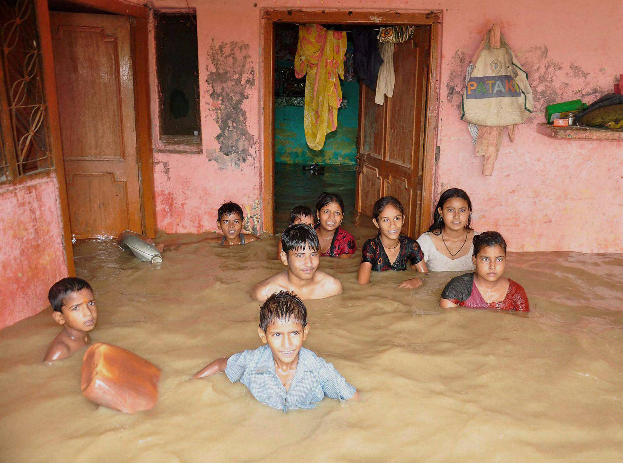 Children, locality, flooded, Ramganga River, Moradabad district