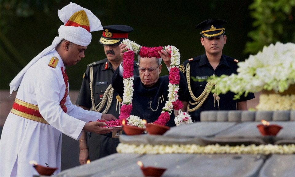 President, Pranab Mukherjee, paying, tribute, former Prime Minister, Rajiv Gandhi, 70th, birth, anniversary, Vir Bhoomi, New Delhi