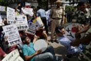 Students protest Gajendra Chauhan's appointment