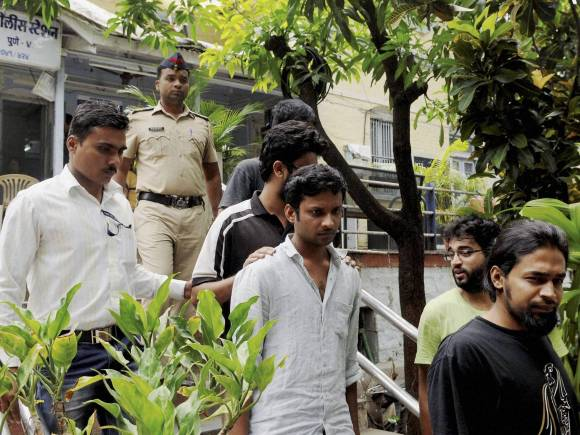 FTII, FTII protest, FTII students arrested, Prashant Pathrabe, FTII Director, Pune film institute