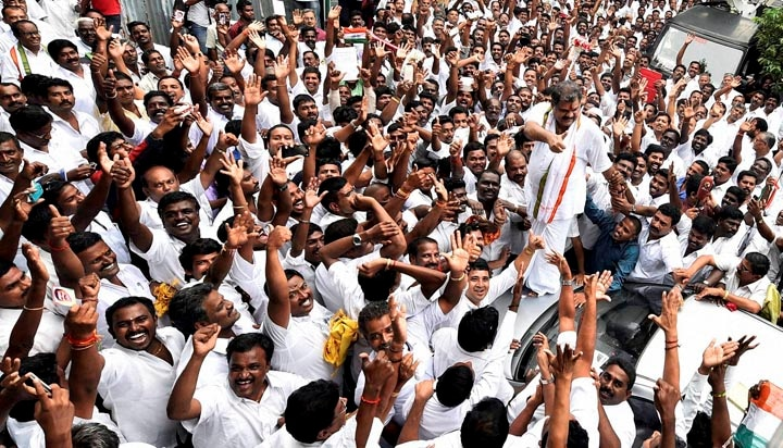 Union Minister, G K Vasan, garlanded, supporters, formally, announced, decision, revive, erstwhile, Tamil Manila Congress