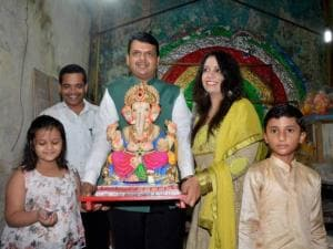 Devendra Fadnavis with his family during the Ganpati festival