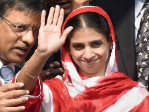 Geeta arrives home after 13 years in Pakistan