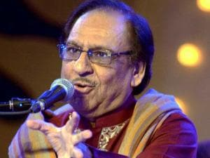 Pakistani ghazal singer Ghulam Ali performs in Lucknow