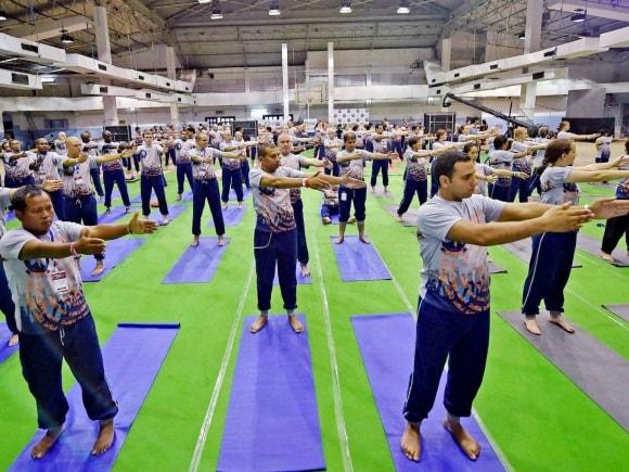 Guinness World Record, Yoga session, 109 Different Countries Participate, Kolkata, Golden Jubilee Celebration, America, Golden Jubilee Festival, ISKCON Founder, ISKCON, Bhaktivedanta Swami Prabhupada