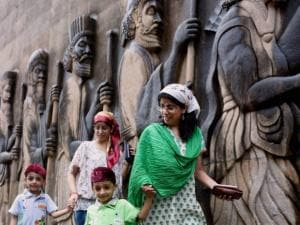 People from the Parsi community