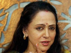 BJP MP Hema Malini addresses a press conference regarding the controversy surrounding the land allotted to her by the Maharashtra government, in Mumbai_01