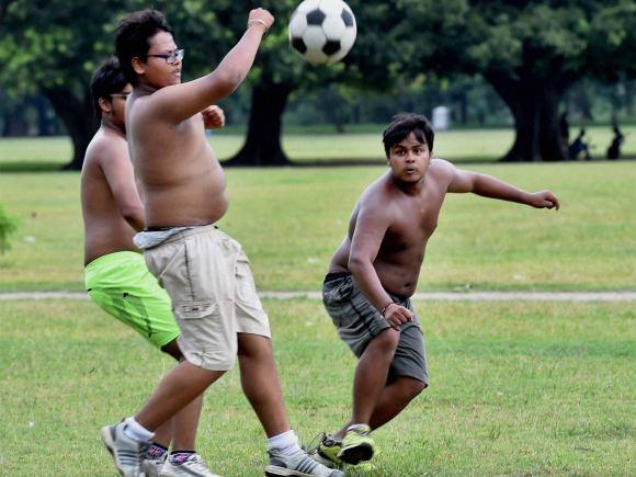 Monsoon, Boys, Football, Kolkata, People Enjoy, Rain, India