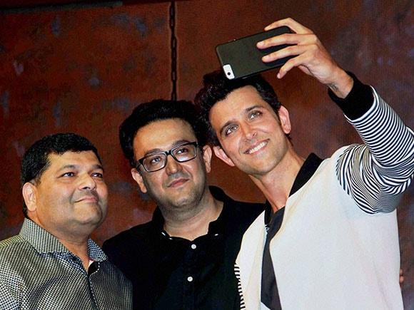 Kaabil, Hrithik Roshan, Amitabh Bachchan, DCTEX, app