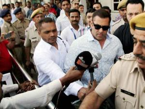 Bollywood_actor Salman Khan arrives at a court in Jodhpur on Thursday to record his statement in 1998 Arms Act case