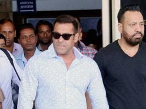 Bollywood actor_Salman Khan arrives at a court in Jodhpur on Thursday to record his statement in 1998 Arms Act case