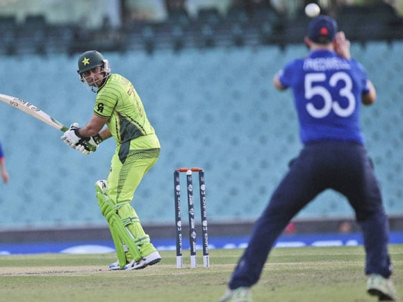 World Cup 2015, Warm-up Matches,  England vs Pakistan, Mohammad Irfan, James Tredwell, Australia, New Zealand, Sydney, ICC Cricket World Cup Associate Warm-up Matches