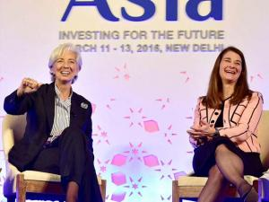 Christine Lagarde, managing director of the International Monetary Fund (IMF), left with Melinda Gates, co-chair of the Bill and Melinda_Gates Foundation, at the Advancing Asia Conference