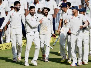 Virat Kohli and players celebrate their win