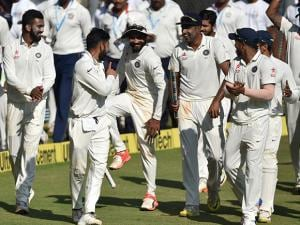 Virat Kohli and players celebrate their win on the fifth day of the final and fourth Test match against England