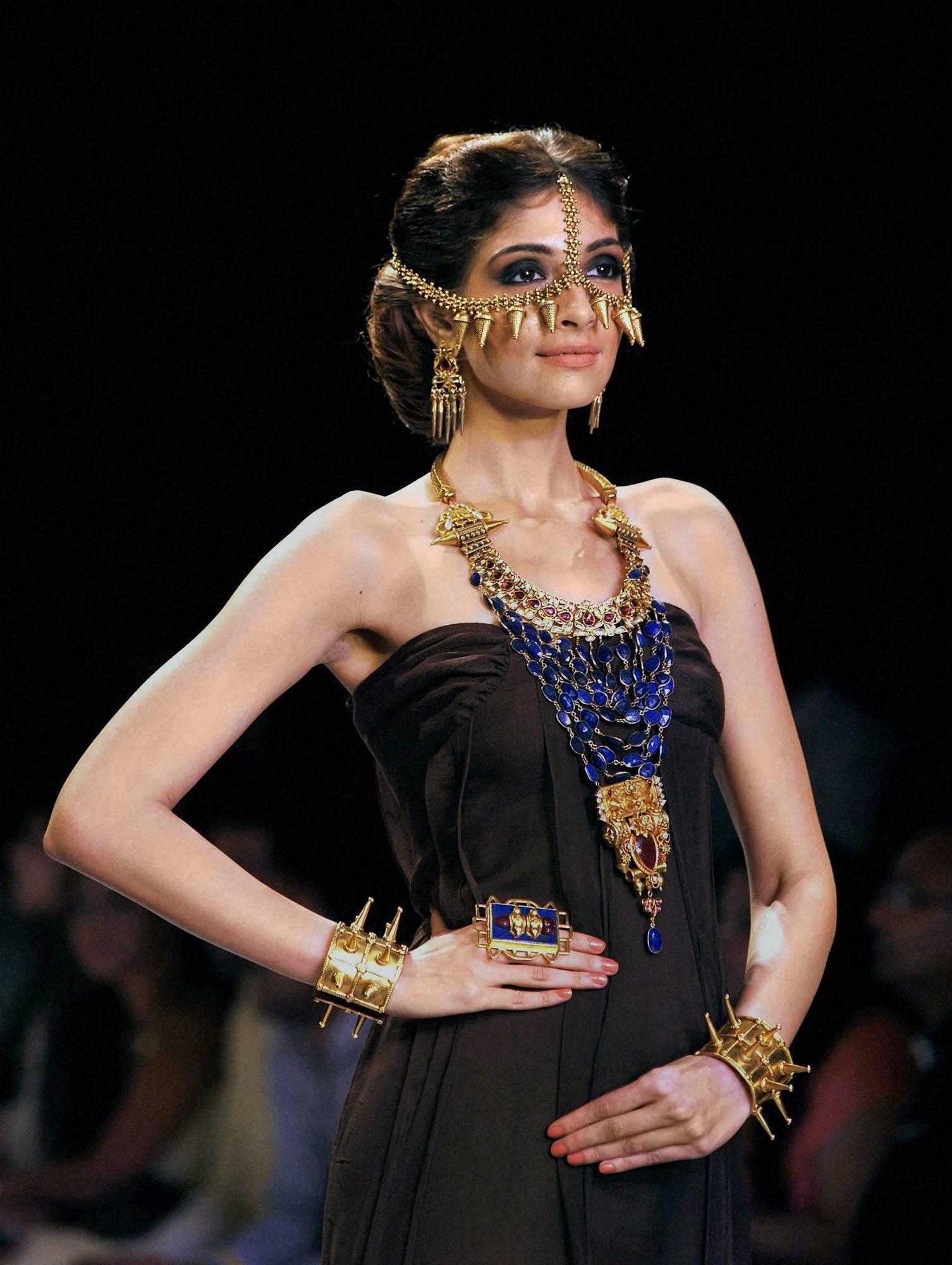 model, ramp ,India, International, Jewellery Week, Mumbai