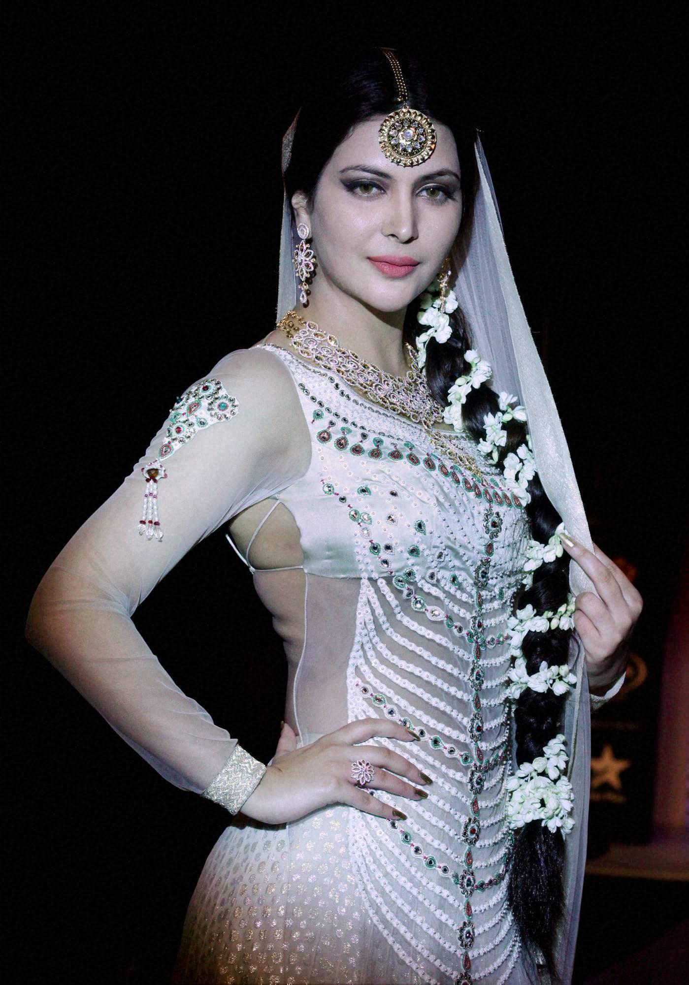 Former Miss India, Ankita Shorey, jewellery design, Queenie Singh, India, International, Jewellery Week, Mumbai